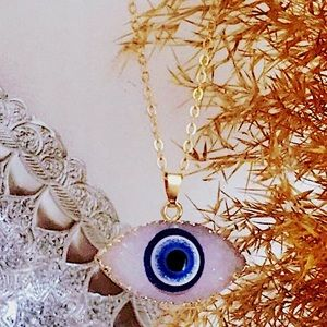 Jewelry - 🆕 Crystal eye gold pendant necklace